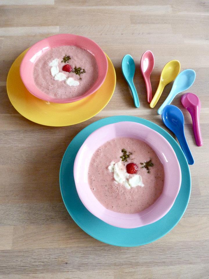 aardbeiensoep met pistachesuiker