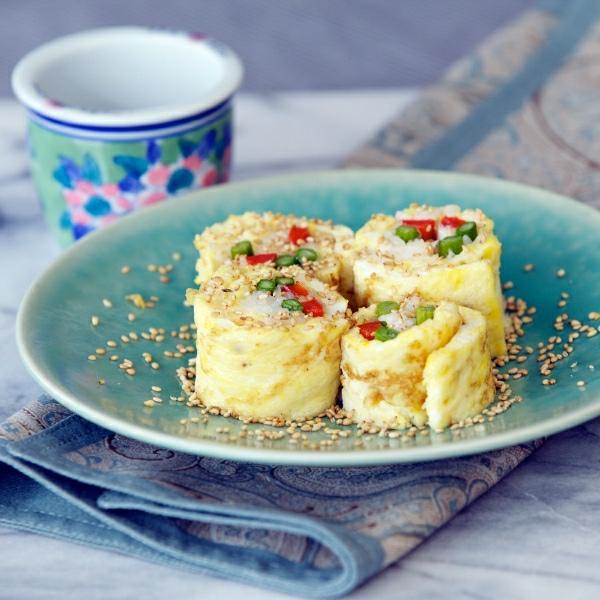 Breakfast Sushi Roll Omelet