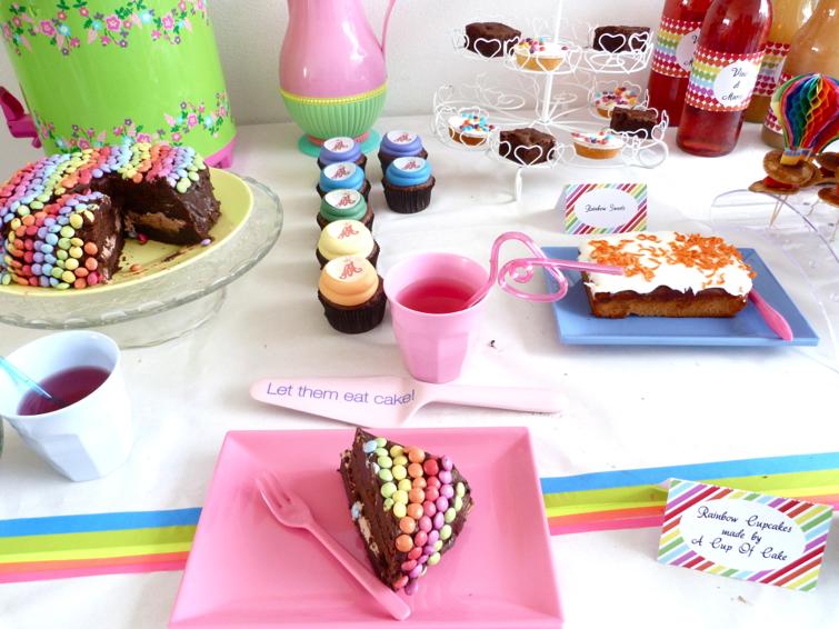 rainbow party taart en servies