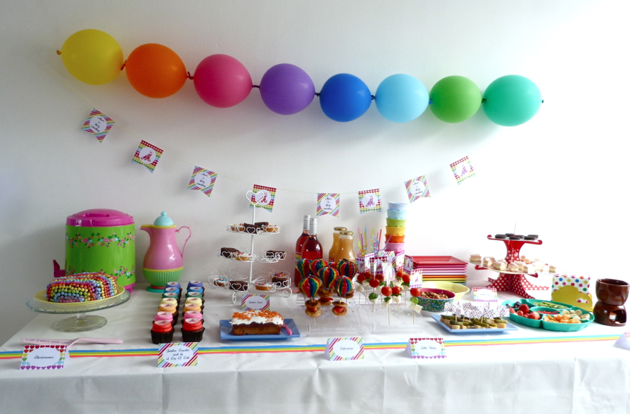 sweet table rainbow party
