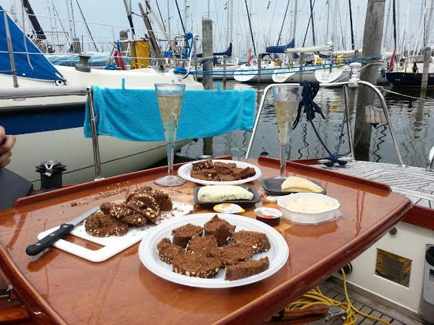Beroemd hapjes op de boot - Hare Maristeit &SK69