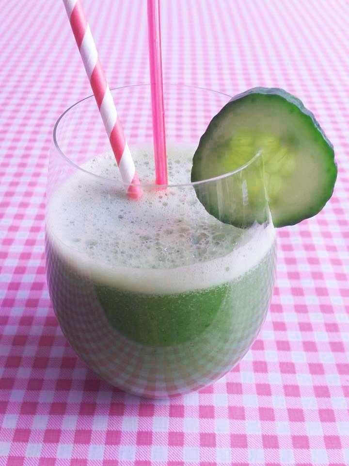 komkommer-munt-smoothie-close-up