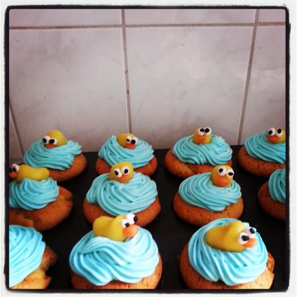 babyshower blauwe cupcakes