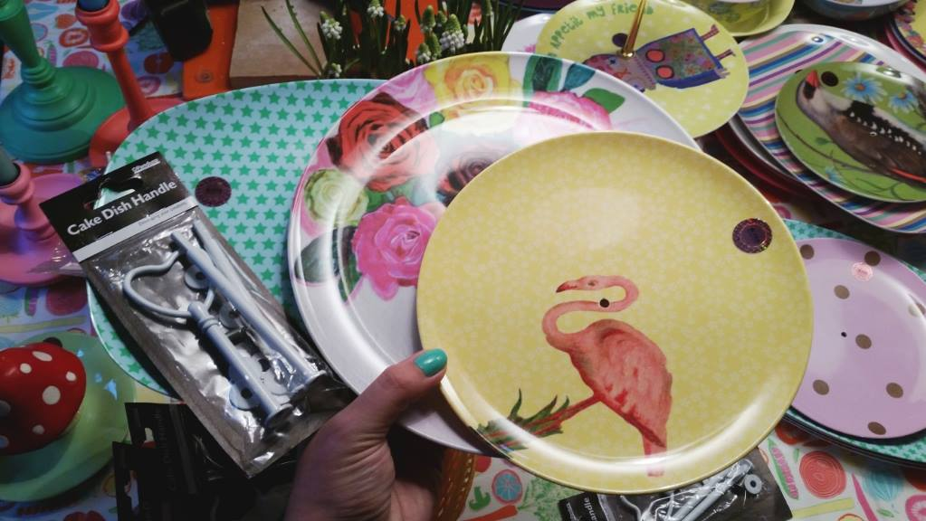 cake stands diy choosing plates