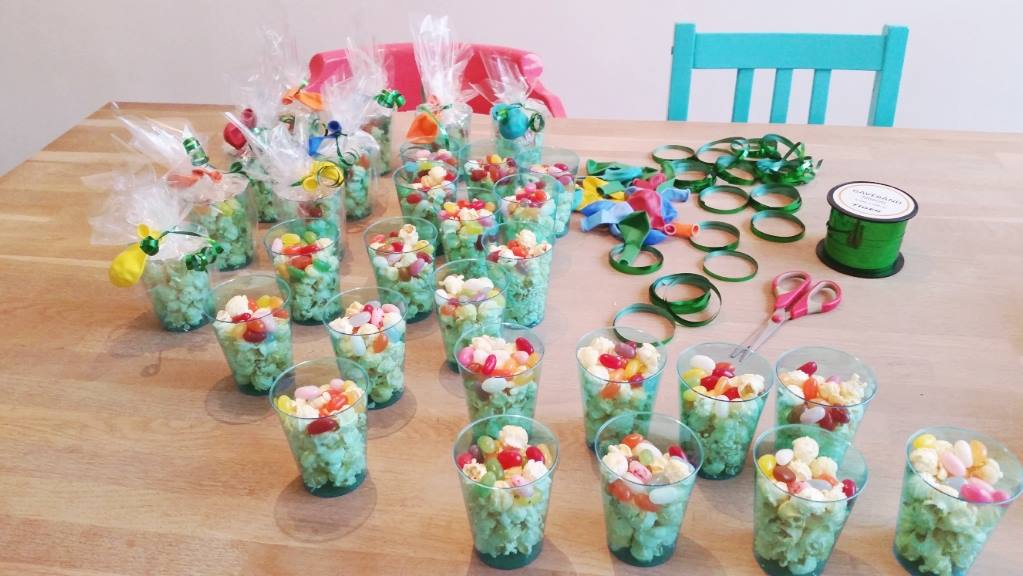 popcorn jellybean traktaties in bekers