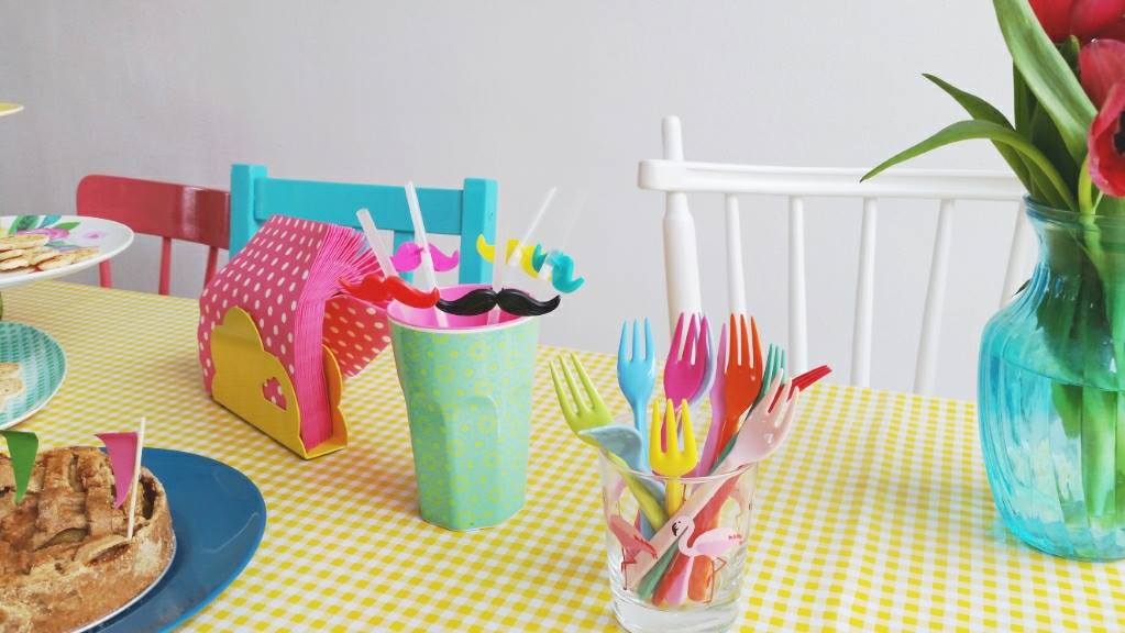 party table forks and straws