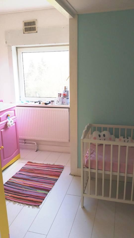 babykamer update commode en ledikantje
