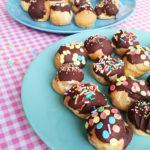 Slagroomsoesjes met Chocolade en Sprinkles