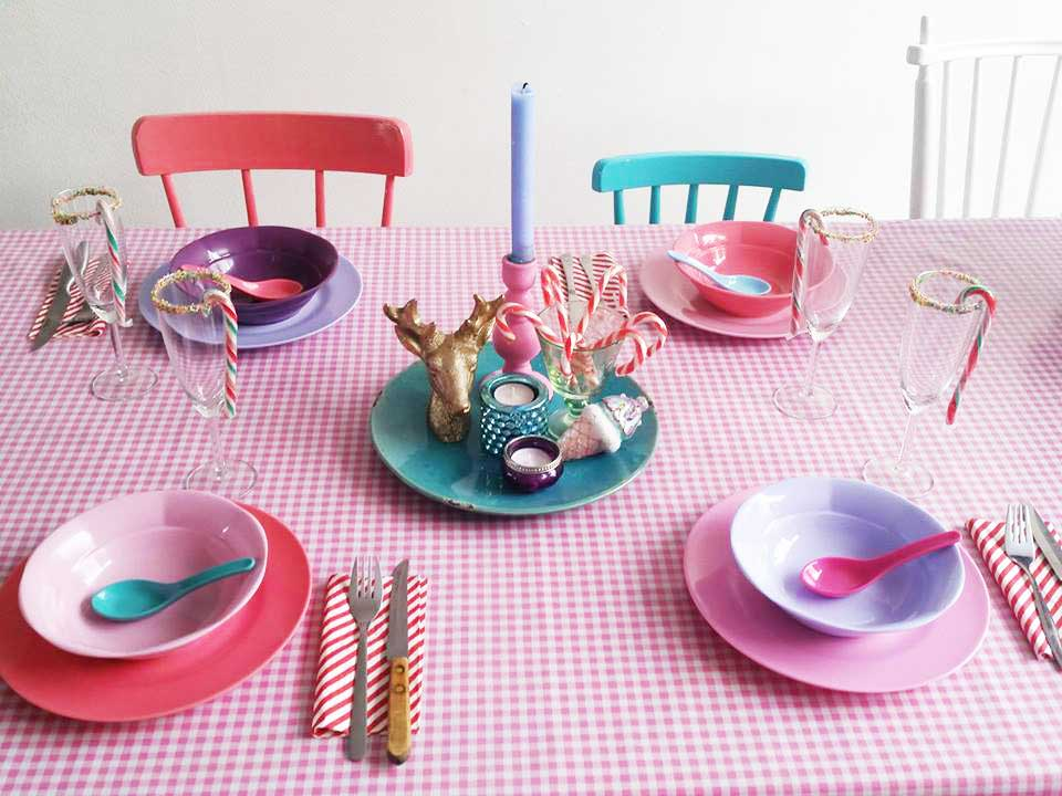 xmas-table-setting-colour