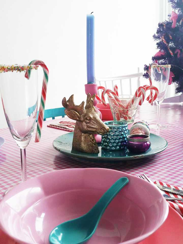 xmas-table-setting-happy