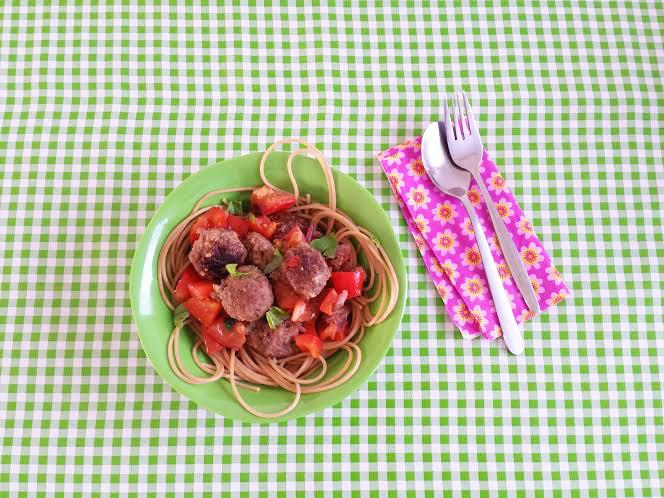 spaghetti-ballen-paprika