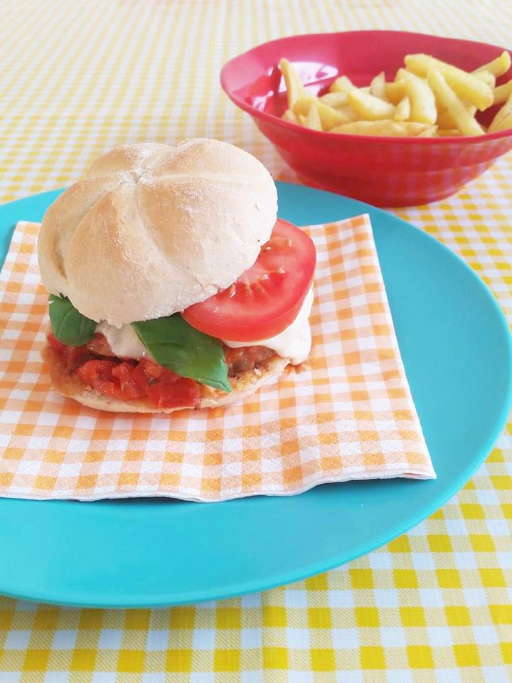burger-mozzarella-tomaat