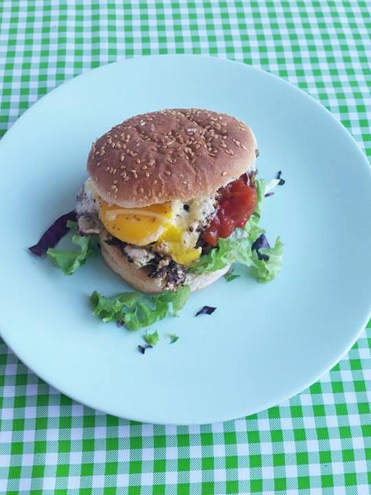 burger-ei-sunny-side-up