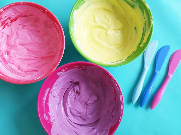 taart-roomkaas-kleurstof