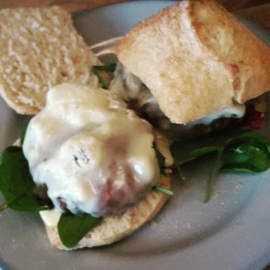 burger spinazie gorgonzola