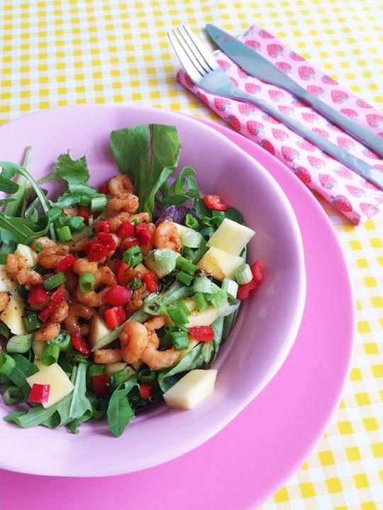 tropische salade met garnalen en mango