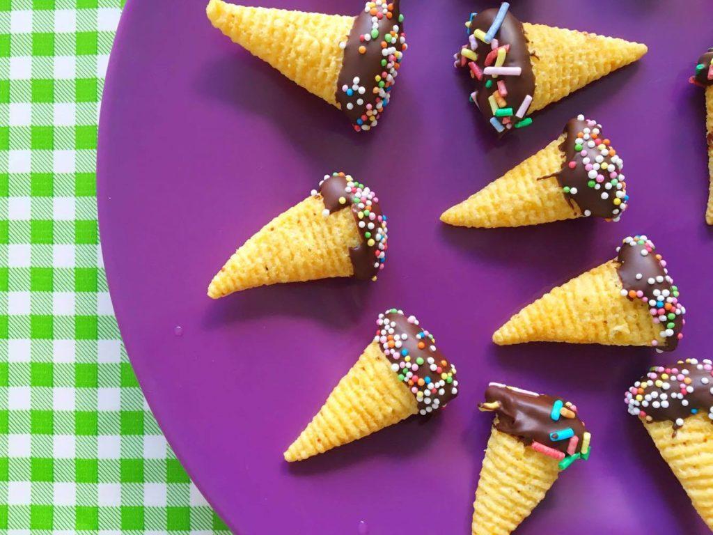 bugles pindakaas chocolade sprinkles