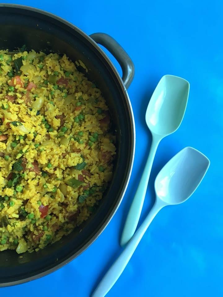 eenpansgerecht-gele-rijst-chorizo