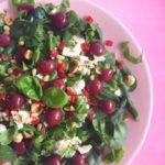 Spinaziesalade met Feta, Basilicum & Kersen