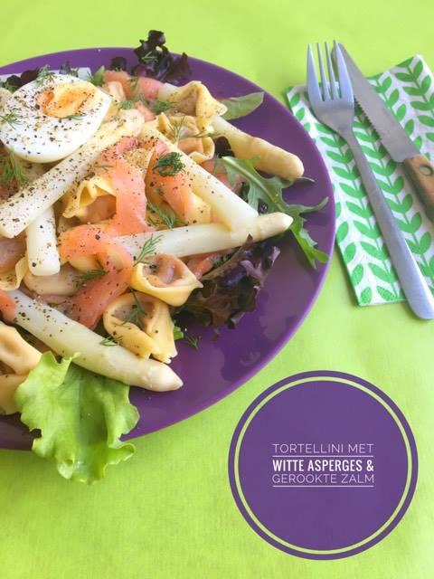 Tortellini met witte asperges en gerookte zalm