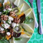 Witlofsalade met Kiwi, Sinaasappel, Geitenkaas & Walnoten