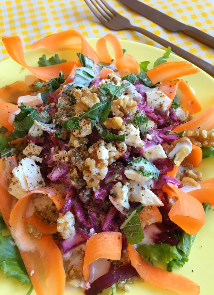 Salade met Wortel, Bietjes, Feta & Walnoten