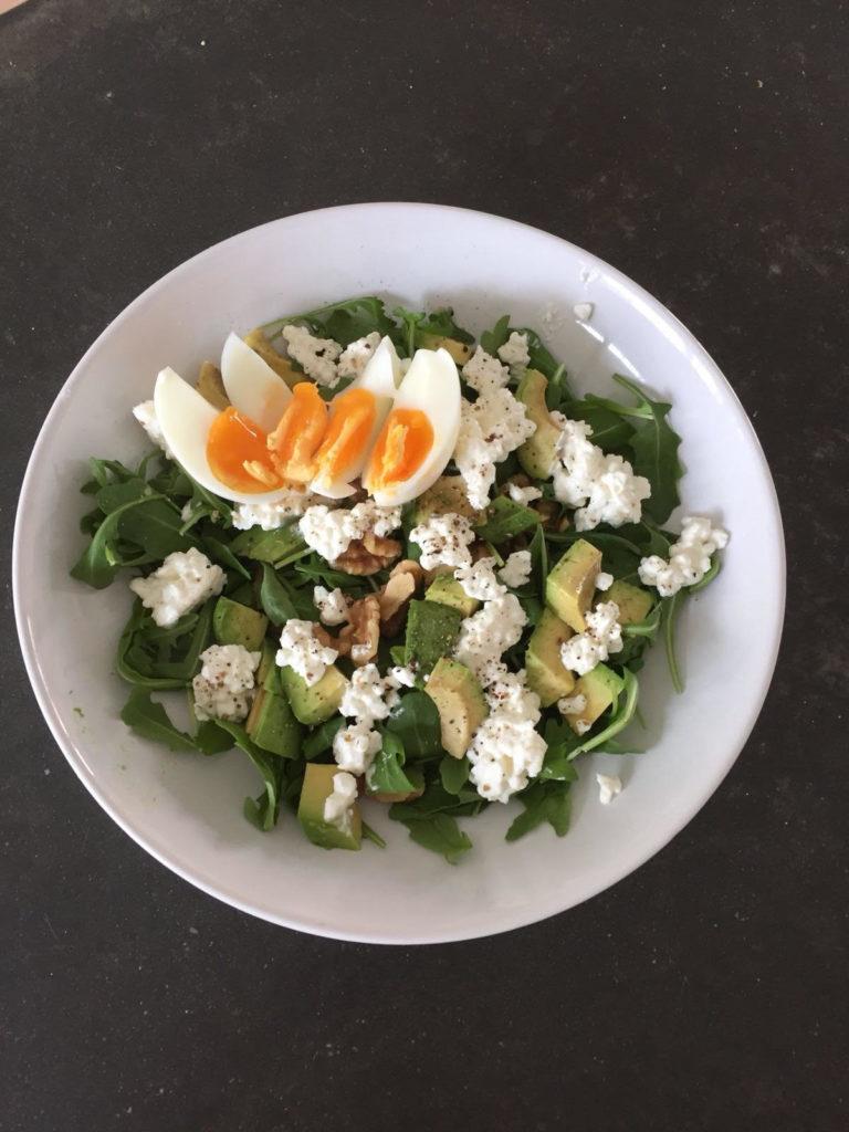 salade ei huttenkase avocado